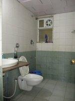 14J1U00326: Bathroom 2