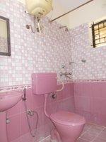 13OAU00090: Bathroom 2