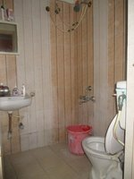 14A4U00823: Bathroom 2