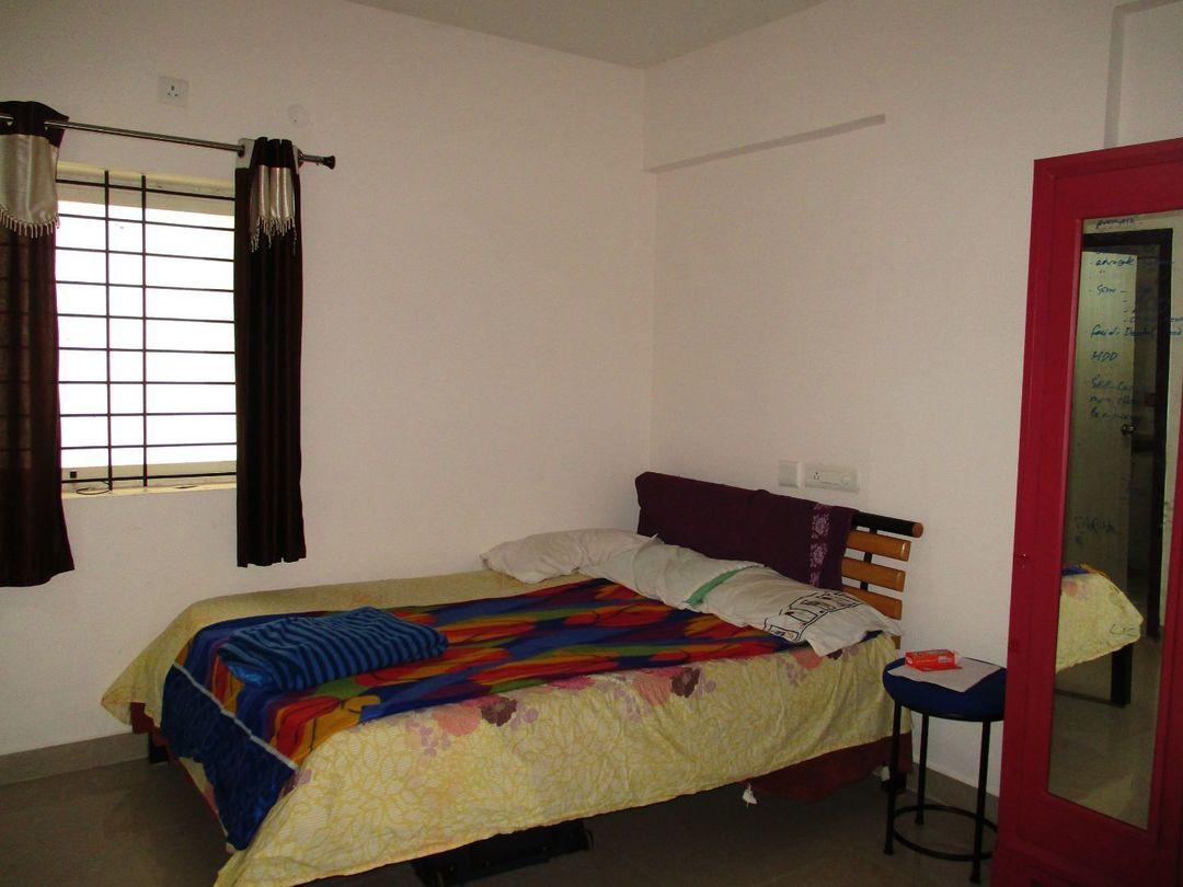 10J6U00172: Bedroom 1