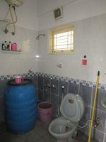 13M5U00649: Bathroom 1