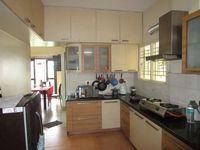 13M5U00649: Kitchen 1