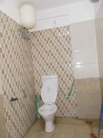 13J6U00062: Bathroom 1