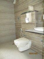 15J7U00436: Bathroom 1