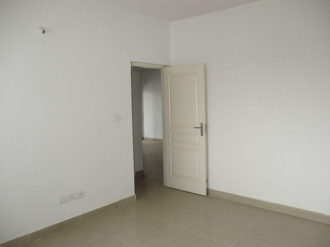 10J6U00351: Bedroom 1