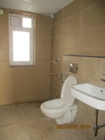 13DCU00423: Bathroom 2