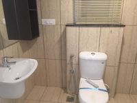 13M5U00613: Bathroom 1