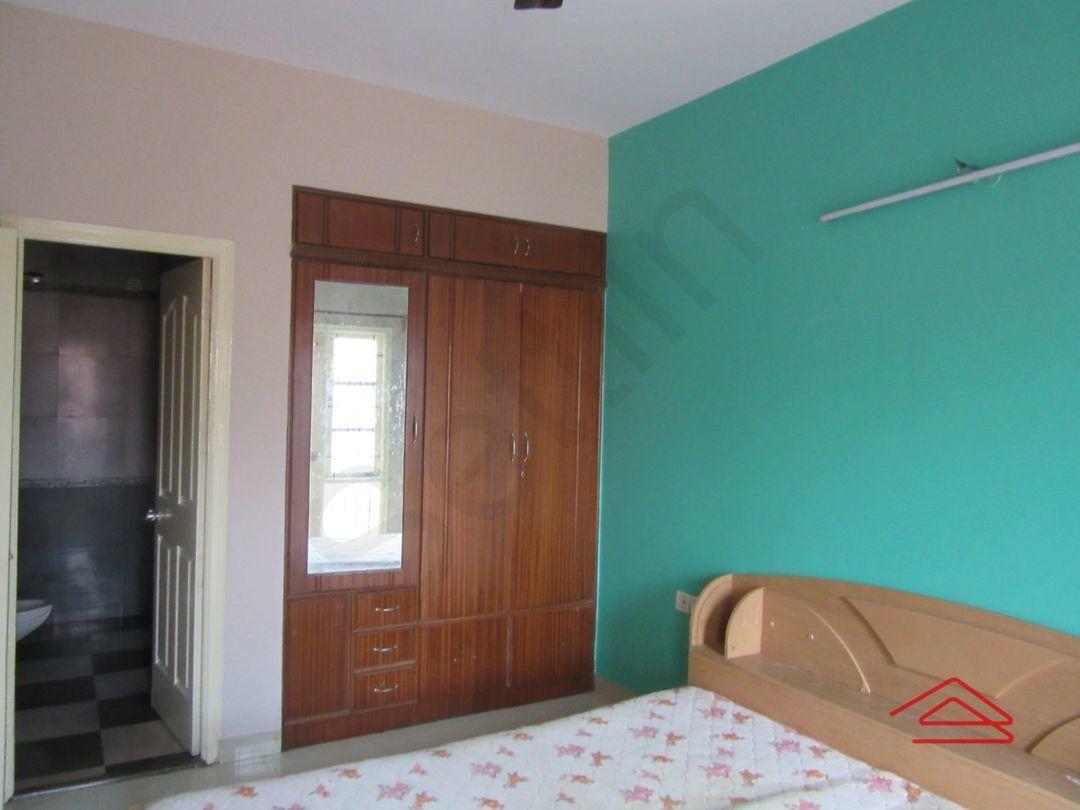 13M5U00521: Bedroom 1