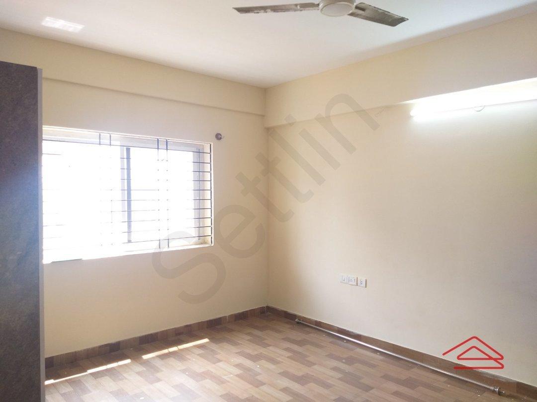 13S9U00331: Bedroom 1