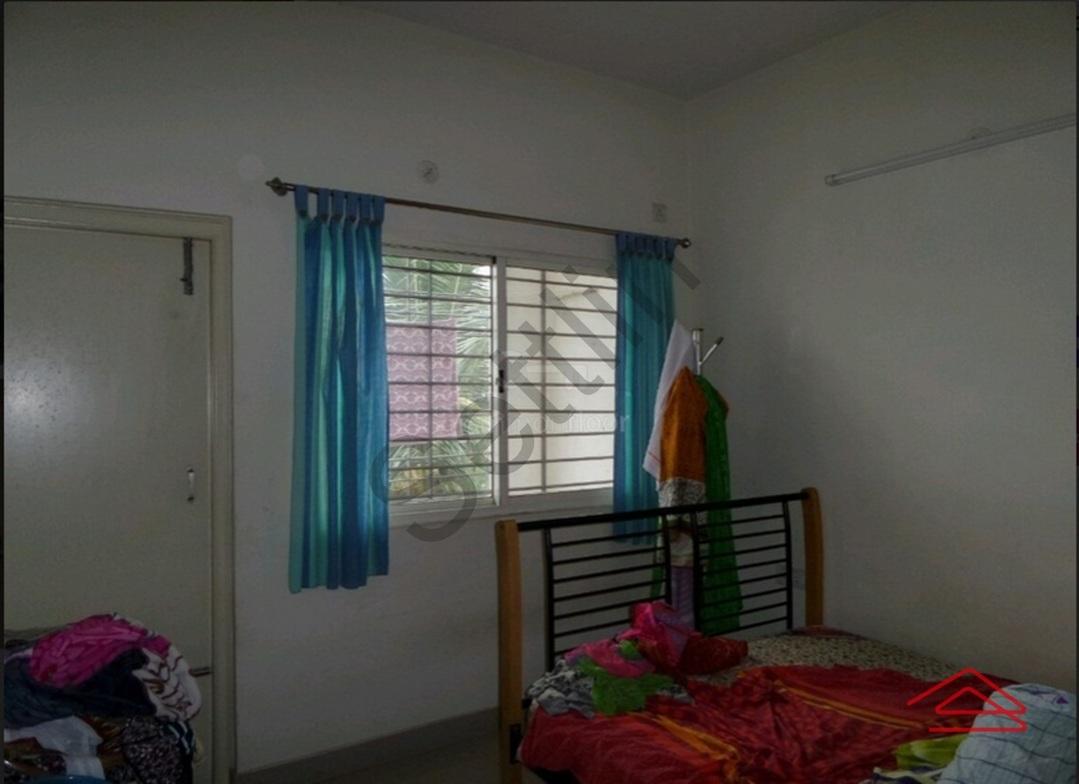 10S900260: Bedroom 1
