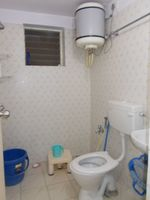 13J6U00158: Bathroom 1