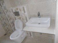 14F2U00348: Bathroom 3
