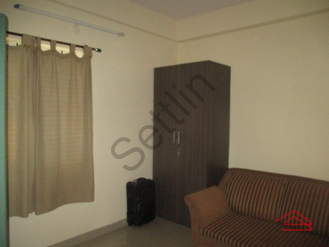 10S900025: Bedroom 1