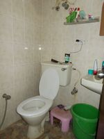 13J1U00051: Bathroom 2