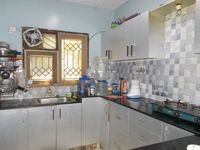13J1U00051: Kitchen 1