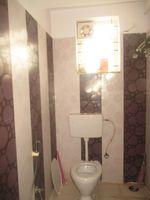 11OAU00180: Bathroom 2