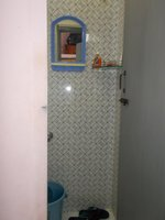 14J6U00329: bathrooms 2