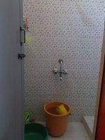 14J6U00329: bathrooms 1