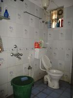 12M5U00104: Bathroom 1