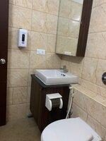 15A8U00004: Bathroom 2