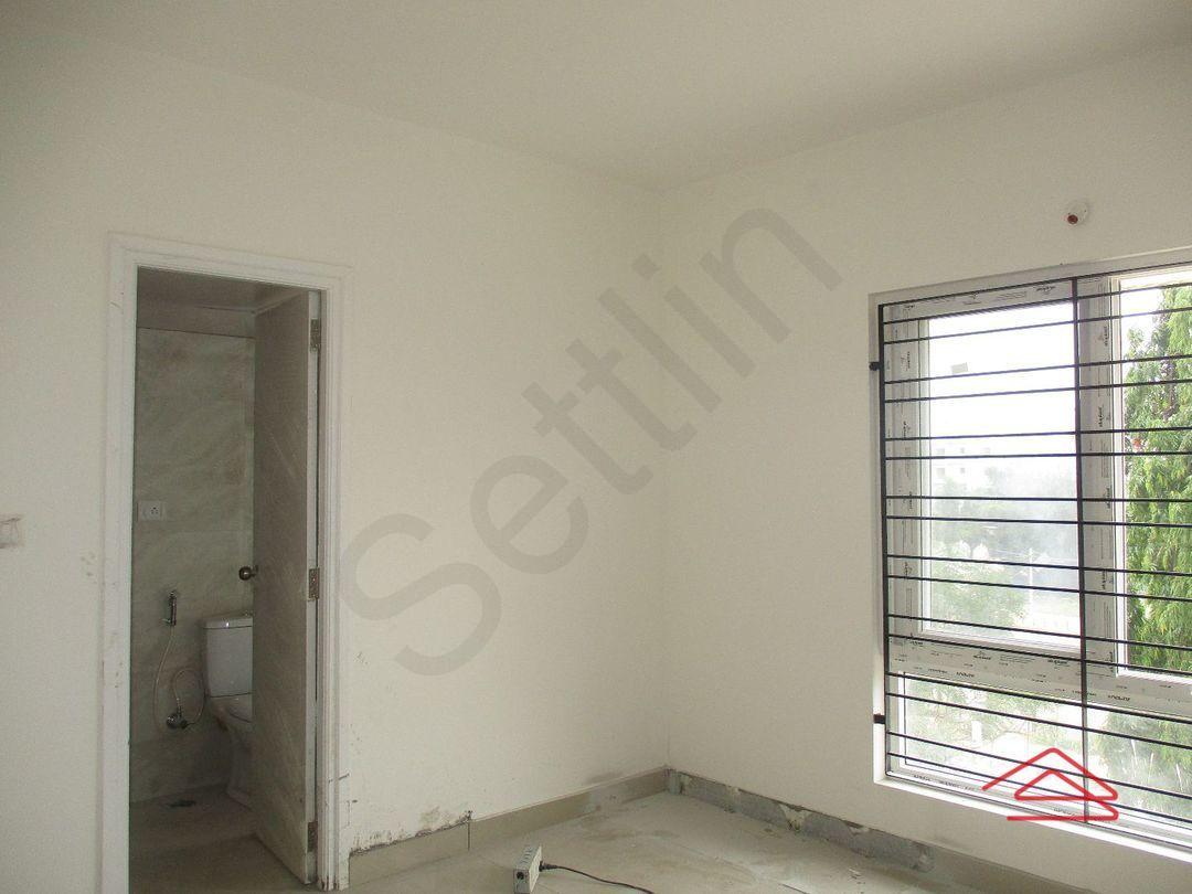 11A8U00418: Bedroom 1