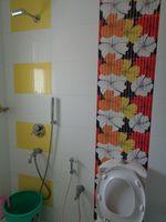 12DCU00083: Bathroom 2