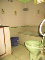 11F2U00056: Bathroom 2