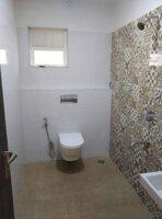 14DCU00205: Bathroom 2