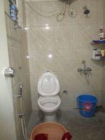 13M5U00344: Bathroom 1