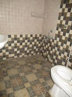 10J6U00545: Bathroom 2