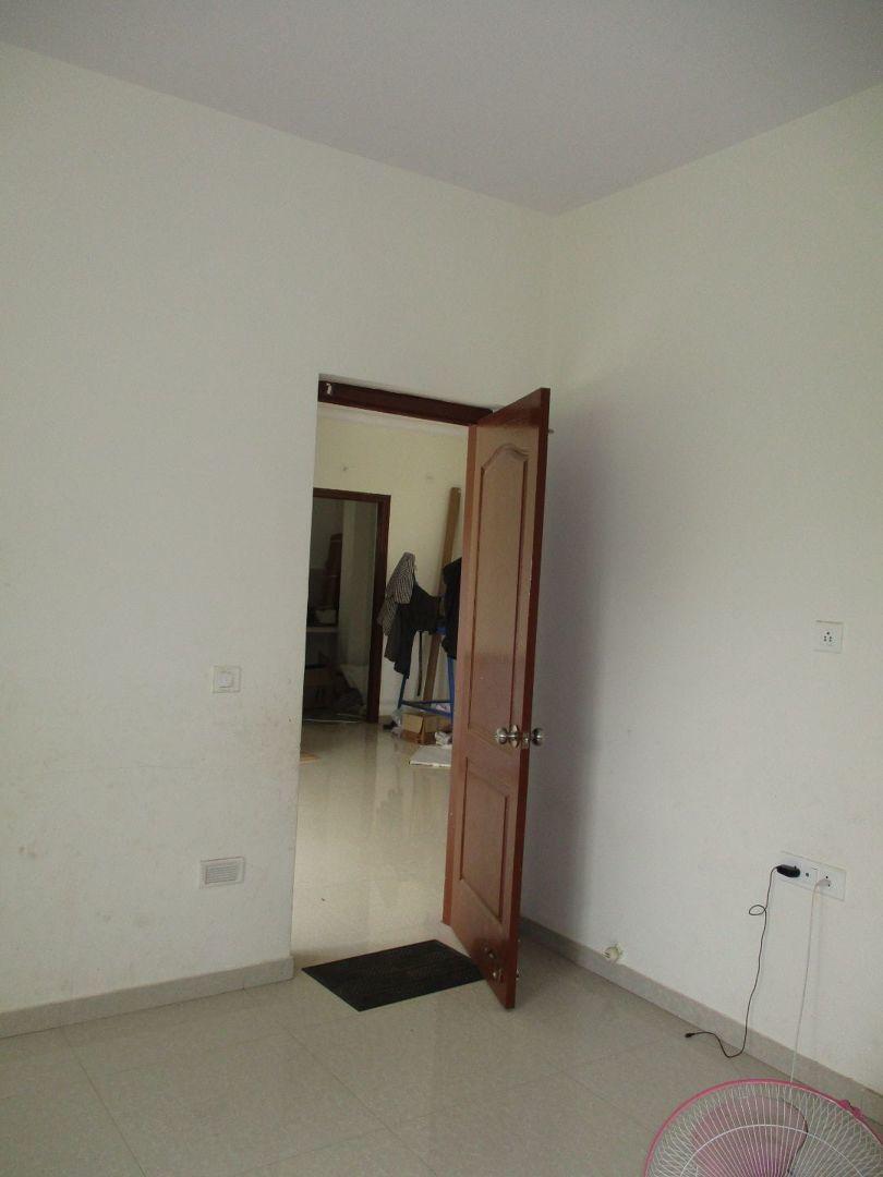 10J6U00545: Bedroom 1