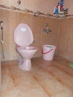 15J1U00217: Bathroom 1