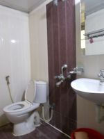13M3U00040: Bathroom 1