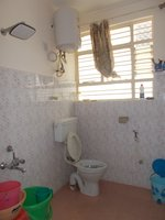 14J1U00218: Bathroom 2