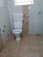 12M5U00250: Bathroom 2