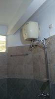 12OAU00221: Bathroom 2