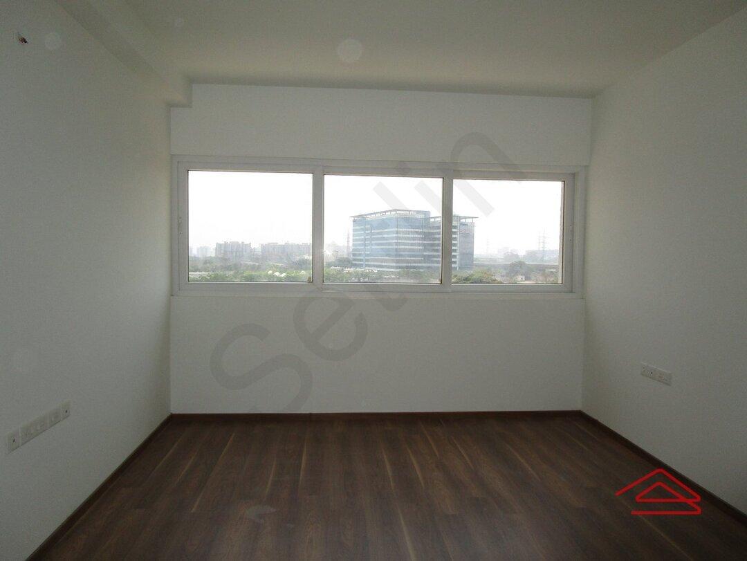 15M3U00210: Bedroom 1