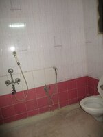 15M3U00299: Bathroom 1