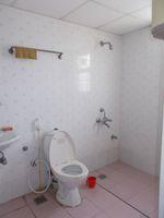 13M5U00056: Bathroom 2