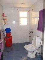 13M5U00056: Bathroom 3
