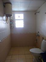 13M5U00056: Bathroom 1