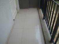 13M5U00795: Balcony 1