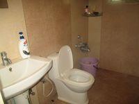13M5U00795: Bathroom 2