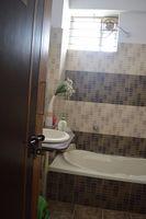 11S9U00288: Bathroom 2