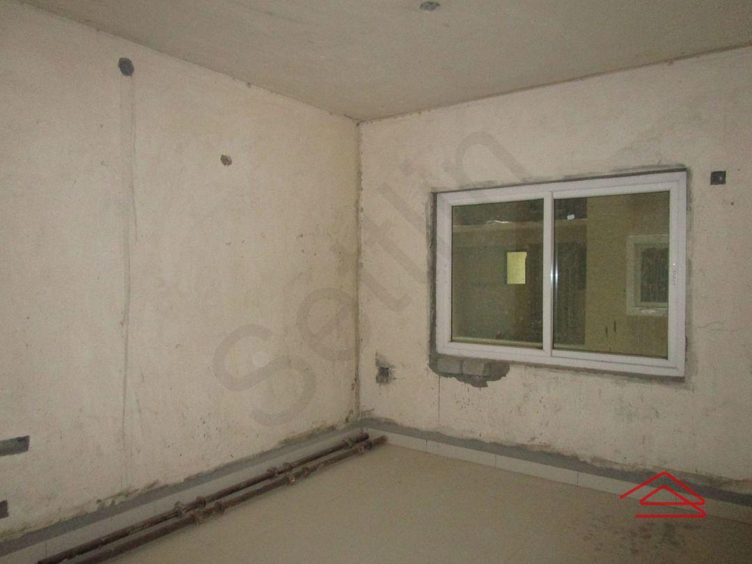 13A4U00304: Bedroom 1