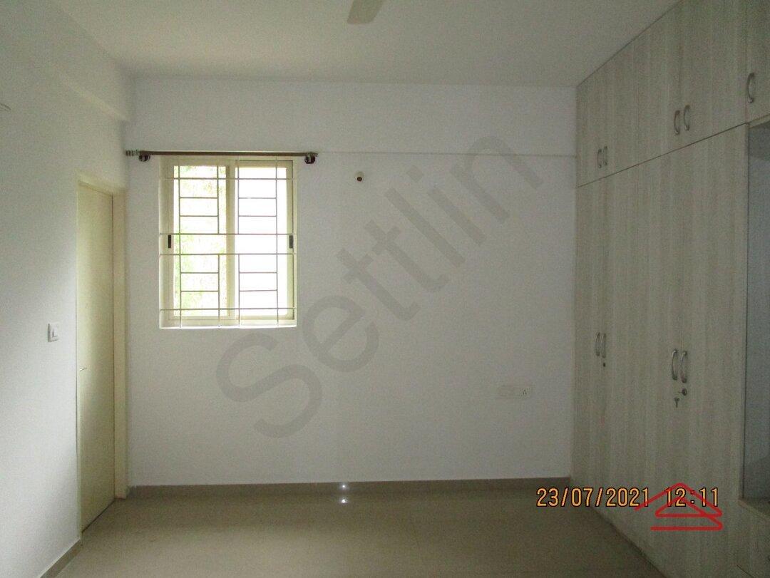 15J7U00292: Bedroom 1
