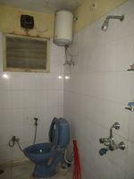 13A4U00018: Bathroom 1