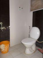 13J1U00165: Bathroom 1