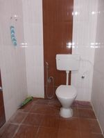 13J1U00165: Bathroom 2