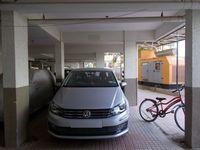 13J1U00165: parking